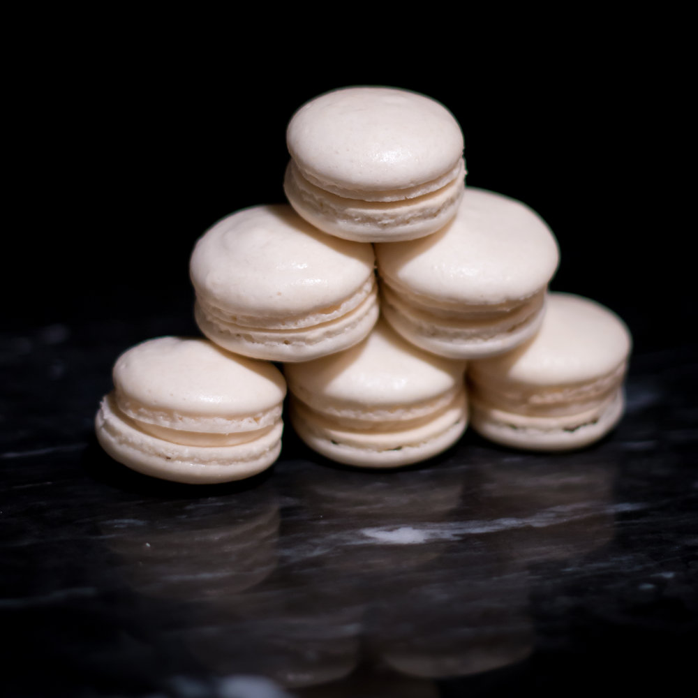 white_macarons.jpg