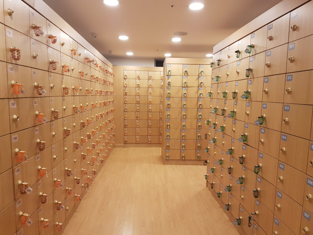 Shoe lockers. Image credit:  Green Walled Tower