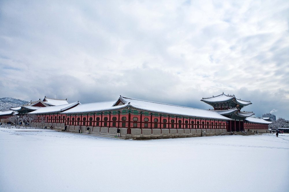 Gyeongbokgung during winter.