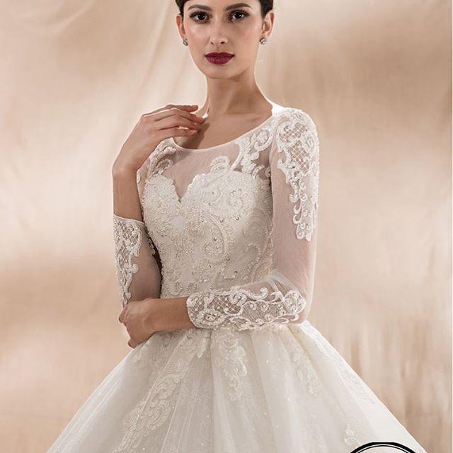 VÅRKOLLEKTIONEN finns tillgänglig att beställa hos oss på http://www.saramariebridalfashion.com ❤️ limited edition bröllopsmode | BESTÄLL IDAG! 💍 www.saramariebridalfashion.com #brudklänning #bröllopsklänning #bröllopsmode #bröllopsbutik #bröllopsplanering #bröllop2018 #bröllopstockholm #bröllopgöteborg #bröllopmalmö #bröllopskåne #brudklänningstockholm #brudklänninggöteborg #brudklänningmalmö #brudklänningkalmar #brudklänningsmåland #brudklänningonline #bröllopsguiden #bröllopstorget #alltombröllop #bröllopsexpert #bröllopsstylist #bröllopsinspiration #bröllopsmässa #weddingdress #weddinggown #bridaldress #bridalgown #bridalfashion