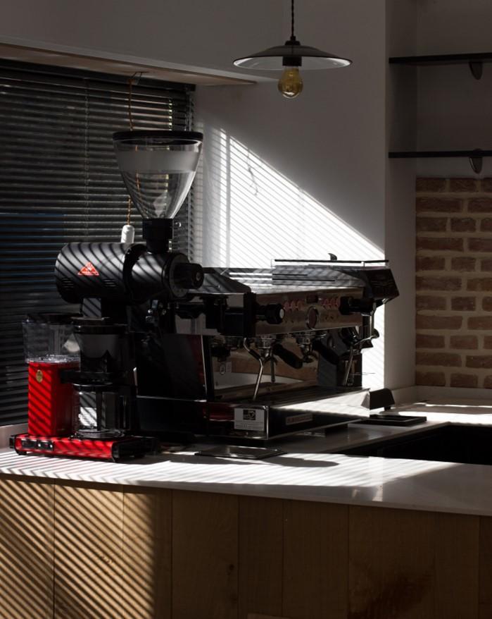 - Tout ces travaux terminés nous pouvons enfin brancher nos machines et nous entraîner avant l'ouverture ! Plus que quelques jours !!