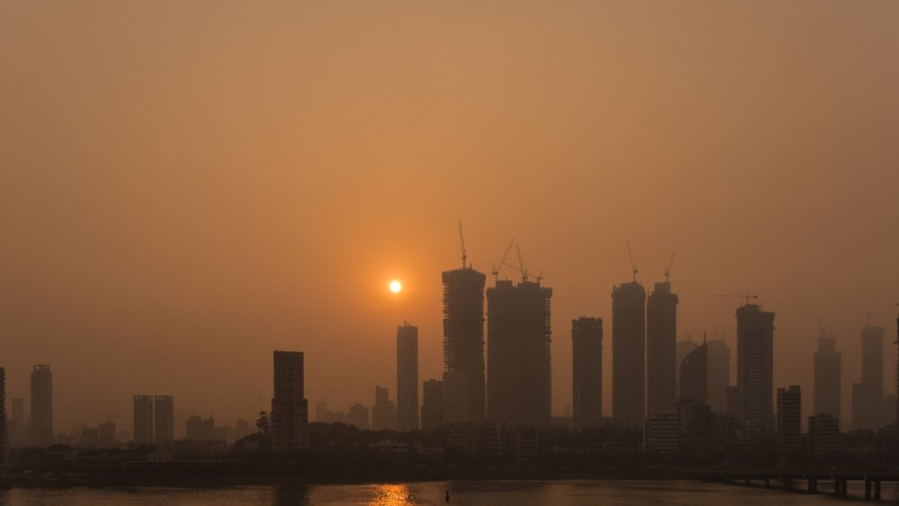 Sunrise over the Mumbai skyline