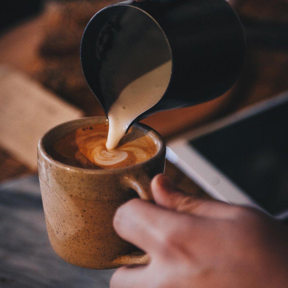 latte_pouring.jpg