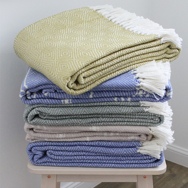 4. REST - Let her put her feet up and cosy under one of our beautiful Scandinavian style blankets. This is a lovely way to spoil her and she will instantly feel more relaxed. You can even use our blankets for outdoor use too! If the weather is on your side, then why not go that extra mile and plan her an outdoor picnic!