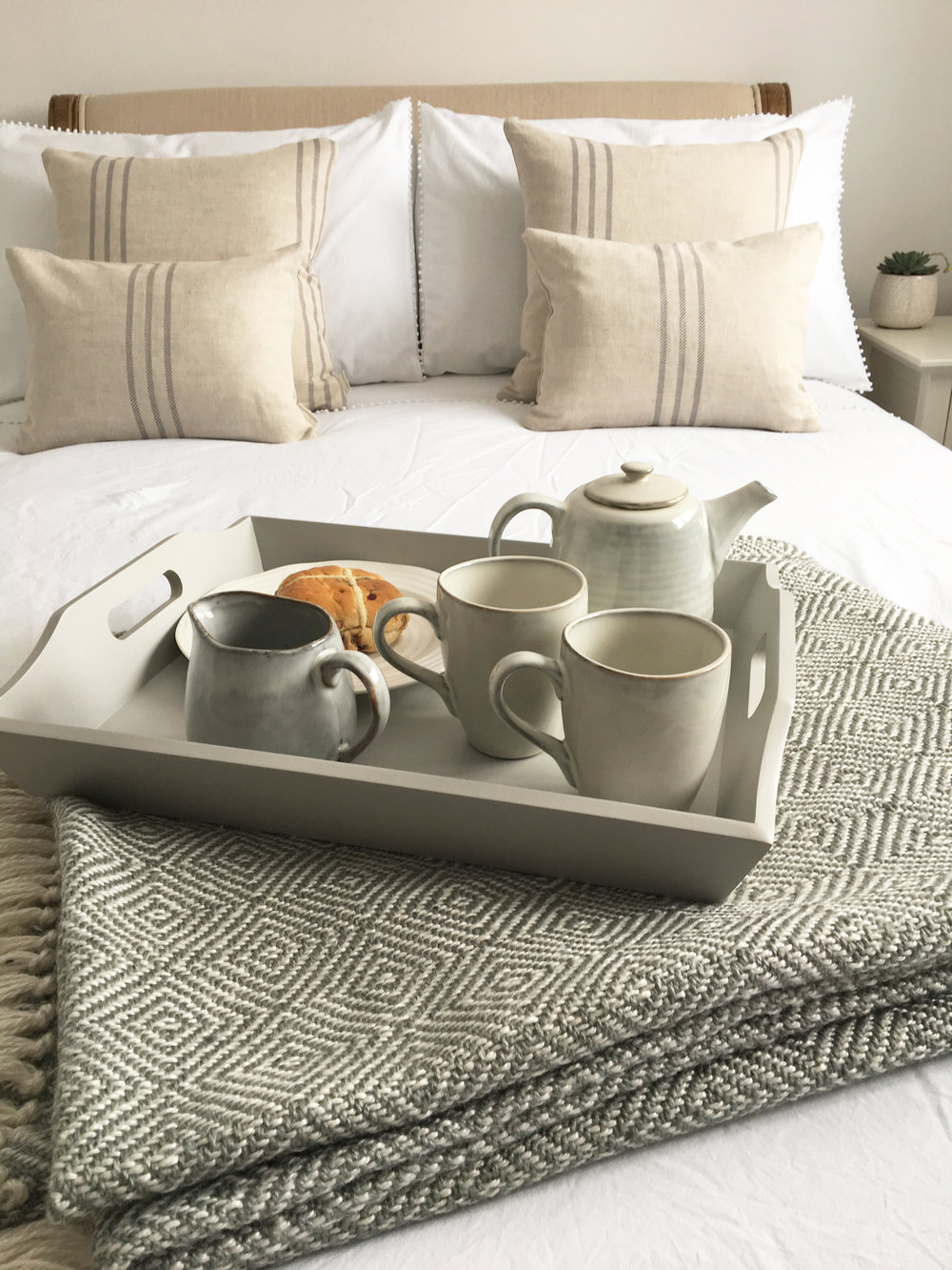 1. BREAKFAST IN BED - This one is a classic and easy to arrange. Why not start the day by making her breakfast in bed. Go that extra mile and pour her a pot of tea in our beautiful Scandi Sand Tea Pot Range,or why not view the rest of our tableware range here.