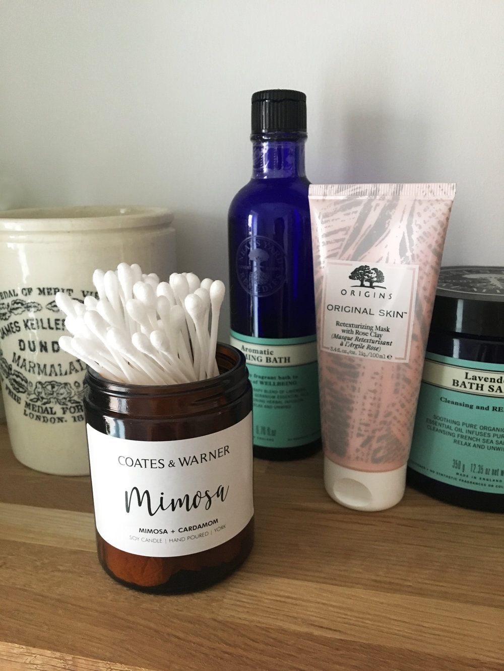 2. Bathroom Tidy - Gather empty jars on your bathroom shelf and fill them with your beauty-regime essentials. Our smaller jars are the ideal size for Q-tips and our larger jars are perfect for holding makeup brushes.