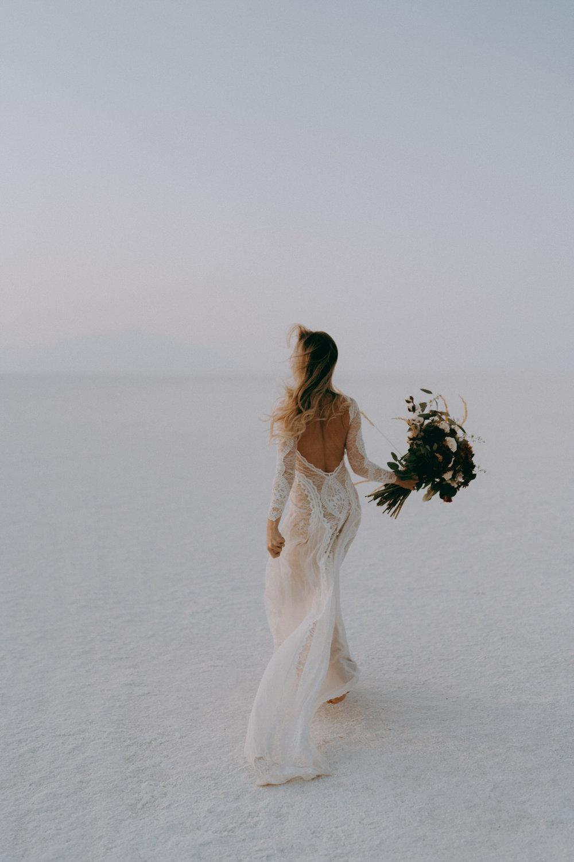 Bonneville Salt Flats Elopement- Utah Elopement Adventurous Wedding Photographer-13.jpg