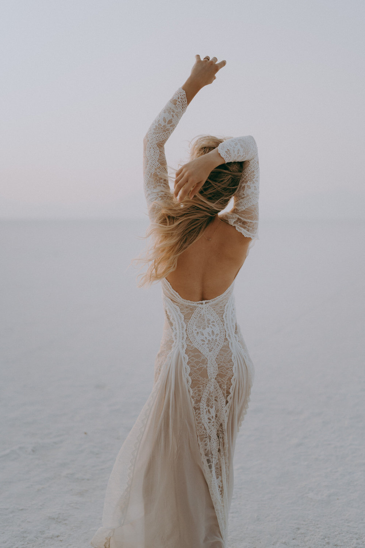 Bonneville Salt Flats Elopement- Utah Elopement Adventurous Wedding Photographer-34.jpg