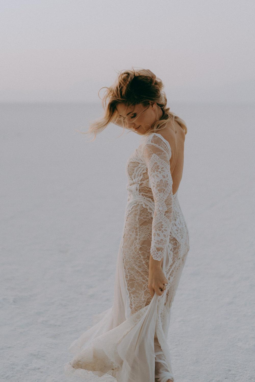 Bonneville Salt Flats Elopement- Utah Elopement Adventurous Wedding Photographer-38.jpg