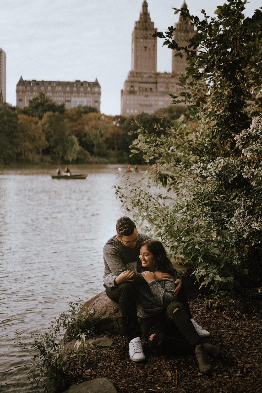 Central Park Engagement Photos-Bow Bridge-Michelle Gonzalez Photography-Alyssa and Cecilio-114.JPG