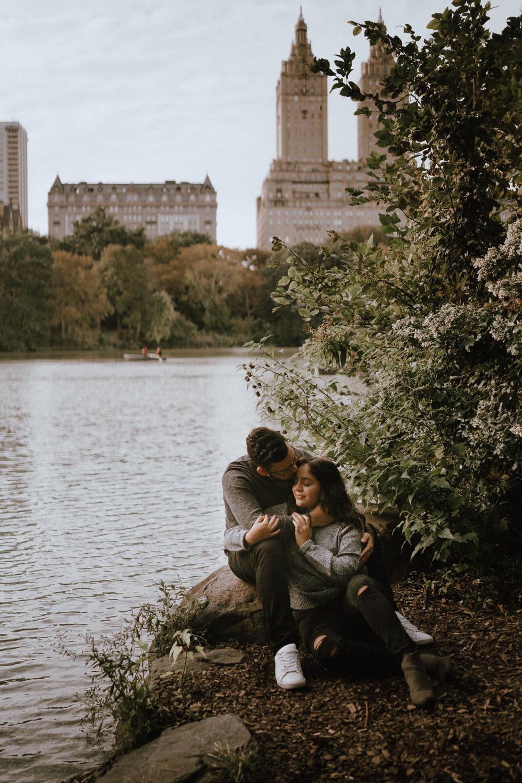 Central Park Engagement Photos-Bow Bridge-Michelle Gonzalez Photography-Alyssa and Cecilio-119.JPG
