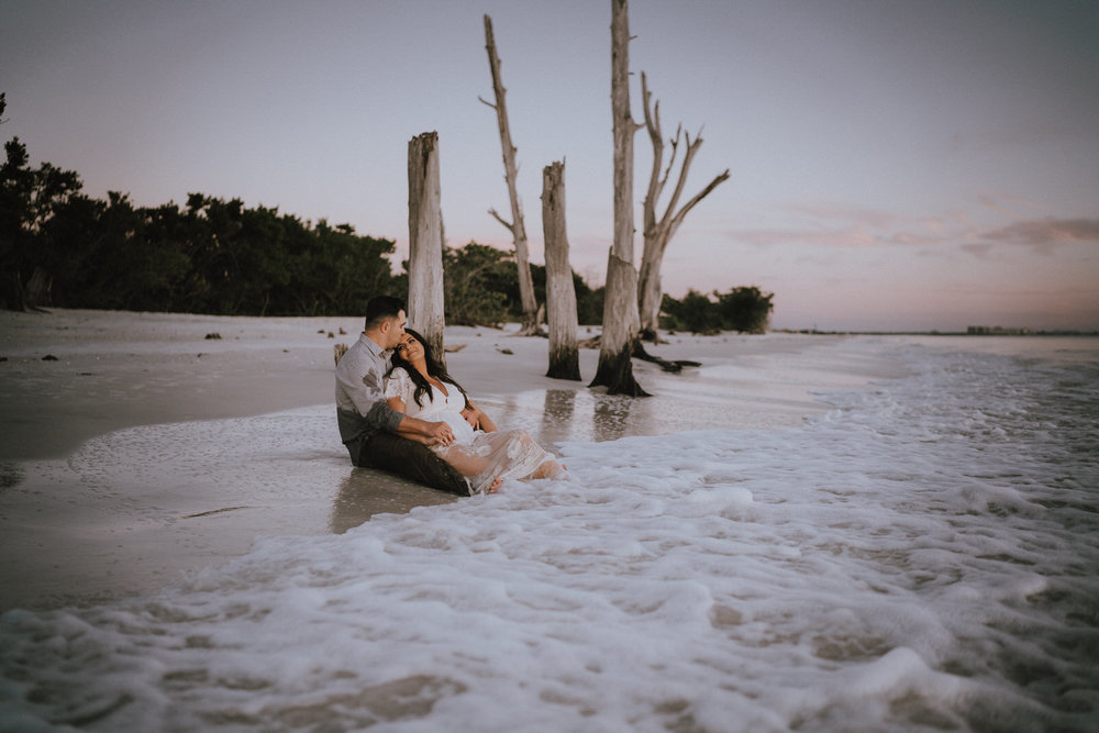 Fort Myers Engagement Photograher-Lovers Key State Park- Michelle Gonzalez Photography- Desiree and Bryan-315.JPG