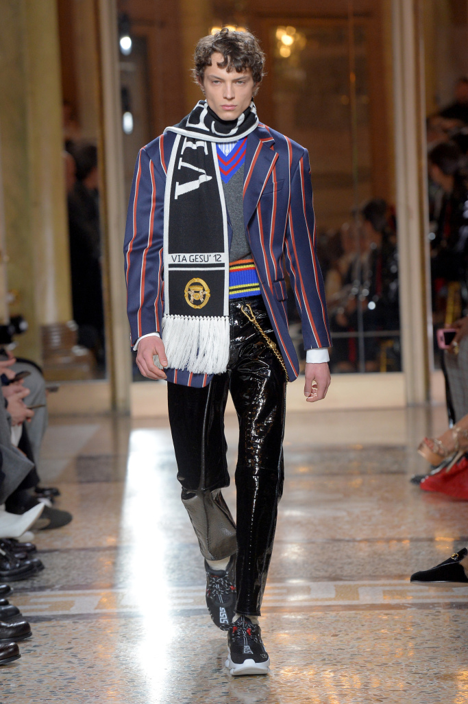 versace-mens-fall-2018-milan-fashion-week-mfw-022.jpg