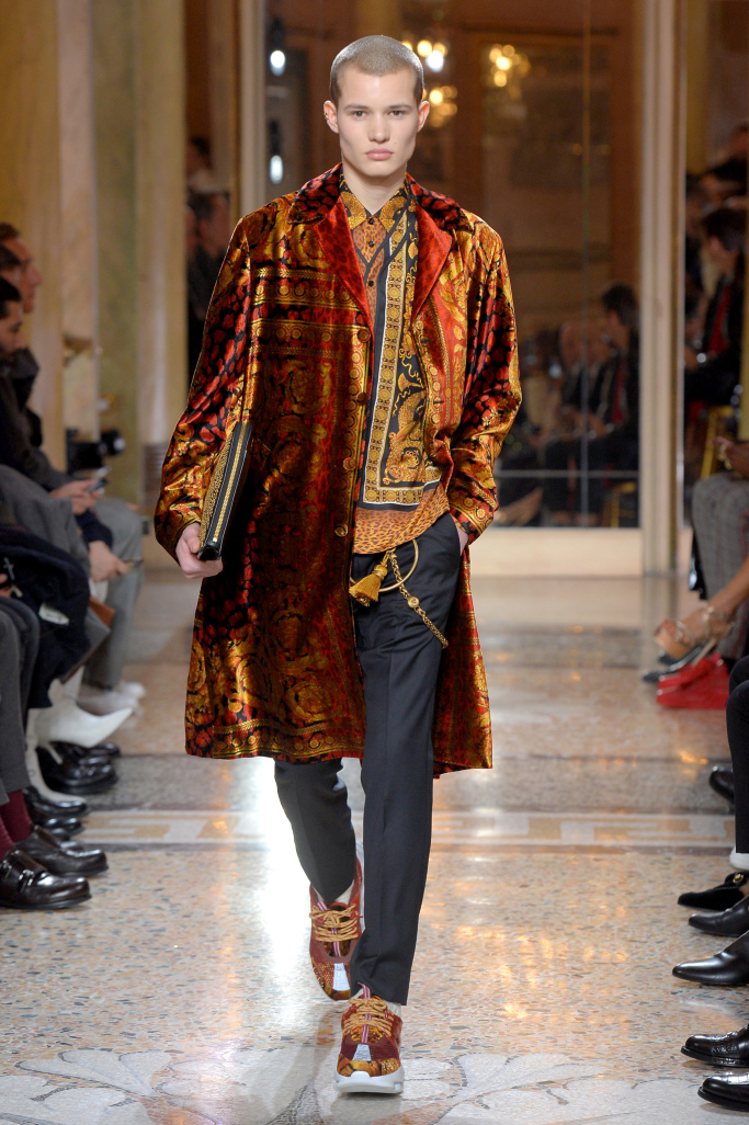 versace-mens-fall-2018-milan-fashion-week-mfw-006.jpg