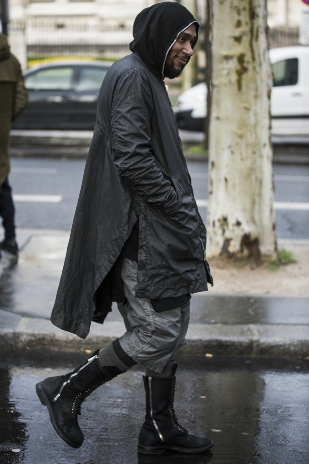 paris-fashion-week-fall-winter-2018-street-style-day-2-08-1.jpg