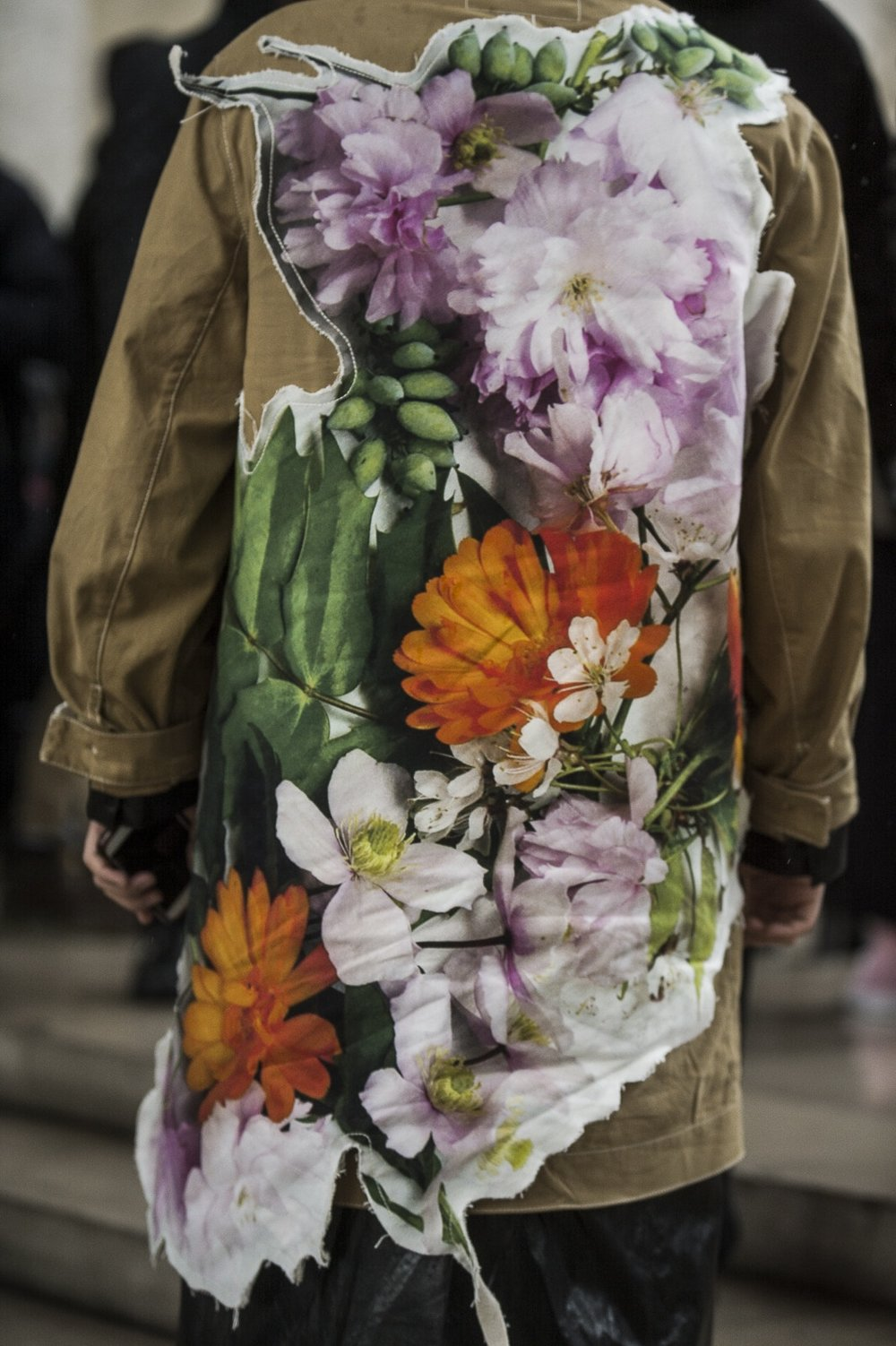 paris-fashion-week-fall-winter-2018-street-style-day-2-16-1.jpg
