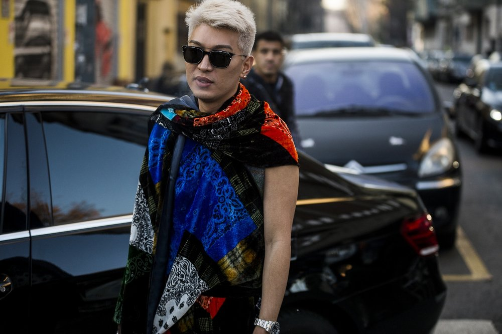 milan-fashion-week-fall-winter-2018-attendees-mixed-neutrals-and-bold-hues-for-day-2-16.jpg