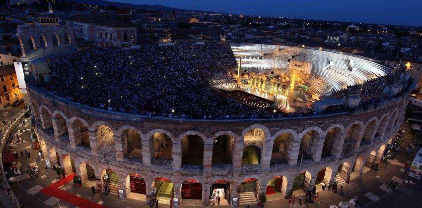 03-Bewitching-opera-nights-in-Verona-2012-Arena-di-Verona_Foto-Ennevi.jpg