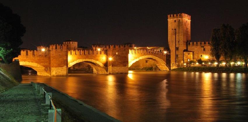 06-Bewitching-opera-nights-in-Verona-Verona-Ponte-di-Castelvecchio.jpg