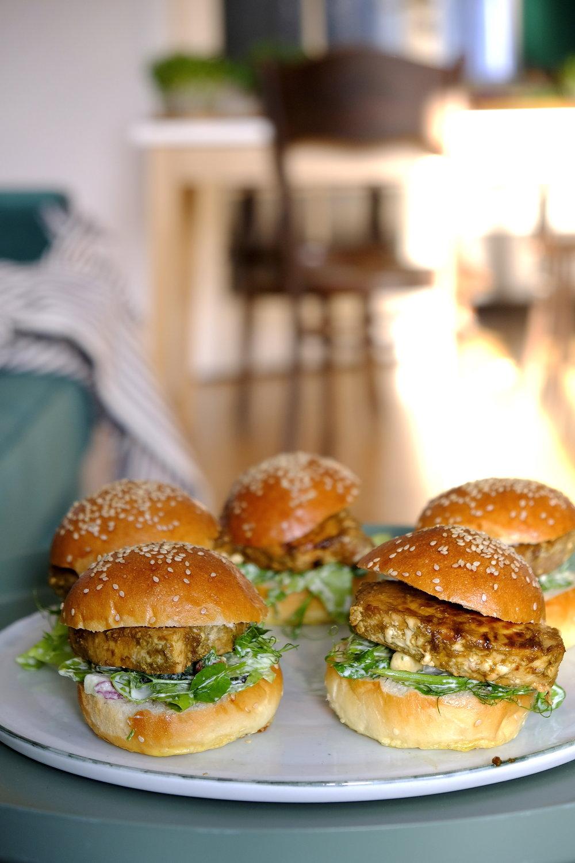 Dinner Stories_homemade burgeri cu peste de captura_Mia Munteanu.JPG