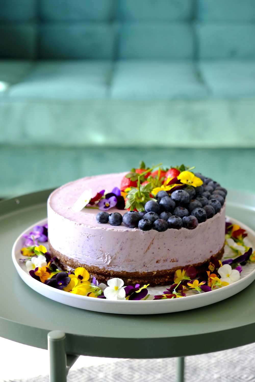 Dinner Stories_raw vegan cake_Mia Munteanu.JPG