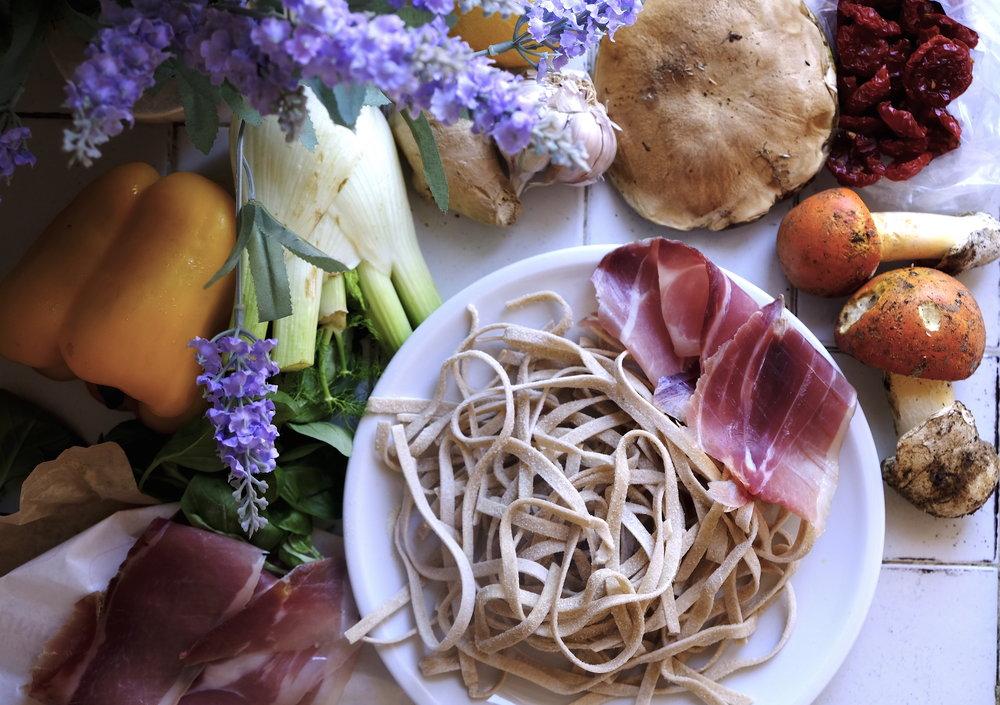 Eat in rome_paste cu porcini si prosciuto.JPG