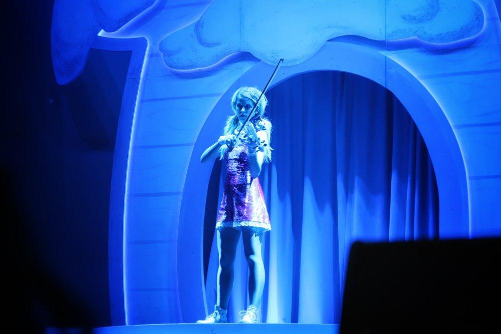 39Lindsey_Stirling_Concert_Chicago.jpg