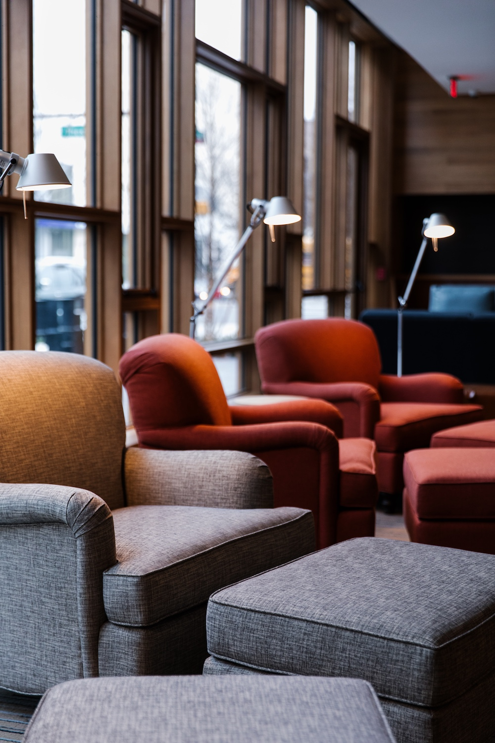 The lobby is cozy with couches and chairs to sit back while you enjoy a book from the selection they offer for guests to read - - T.A. Review