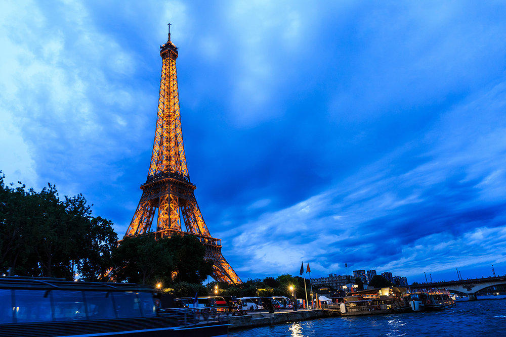 Paris Eiffel at night.jpg