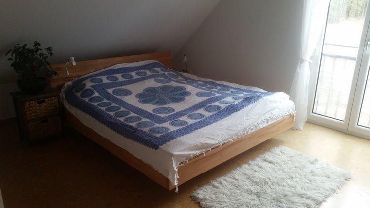 Schlafzimmer_Bett.jpg