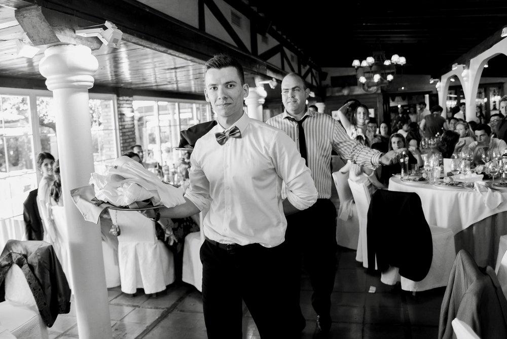 ropa novio entregada a novia