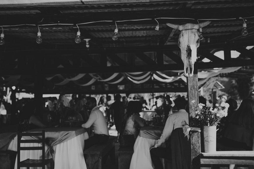 detalles de una boda en el rancho Rufner