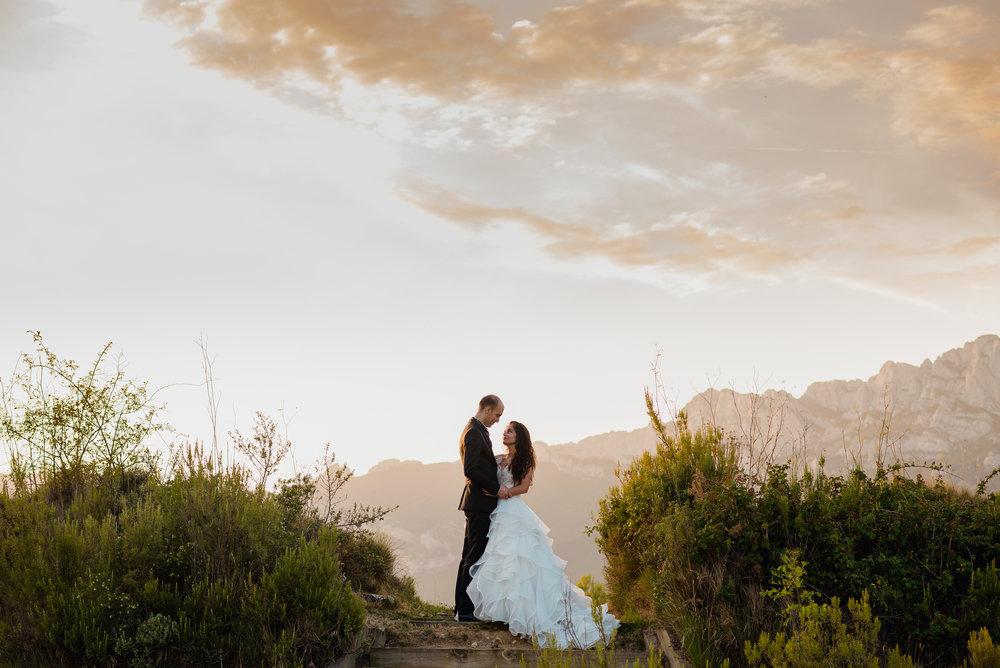pareja abrazo logroño fotografos laguardia postboda boda