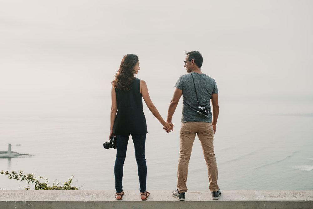 pareja tomada de la mano preboda logroño fotografía