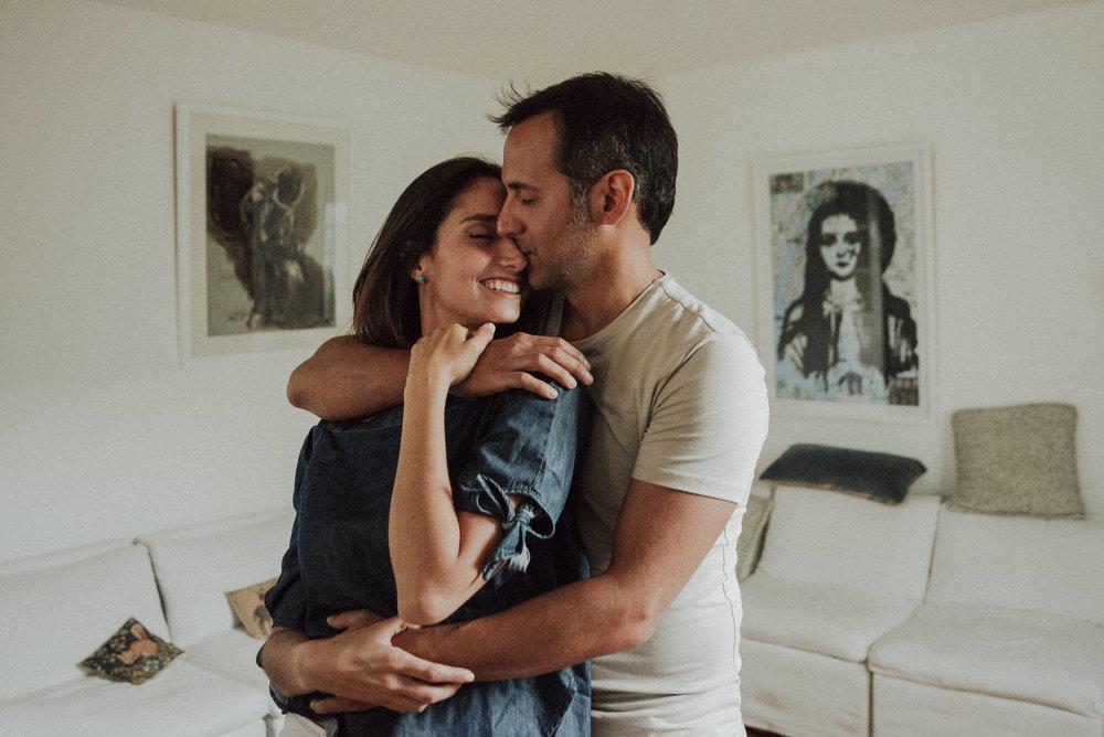 abrazo de amor pareja logroño trizyjuan