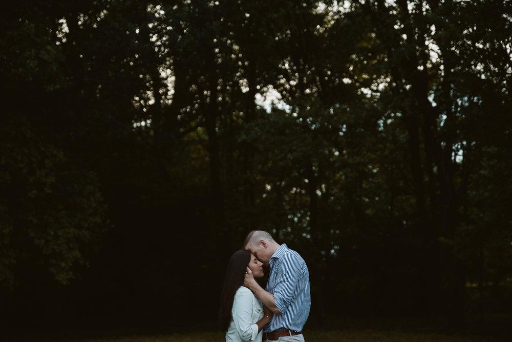 pareja beso fotografia bodas logroño alzheimer trizyjuan