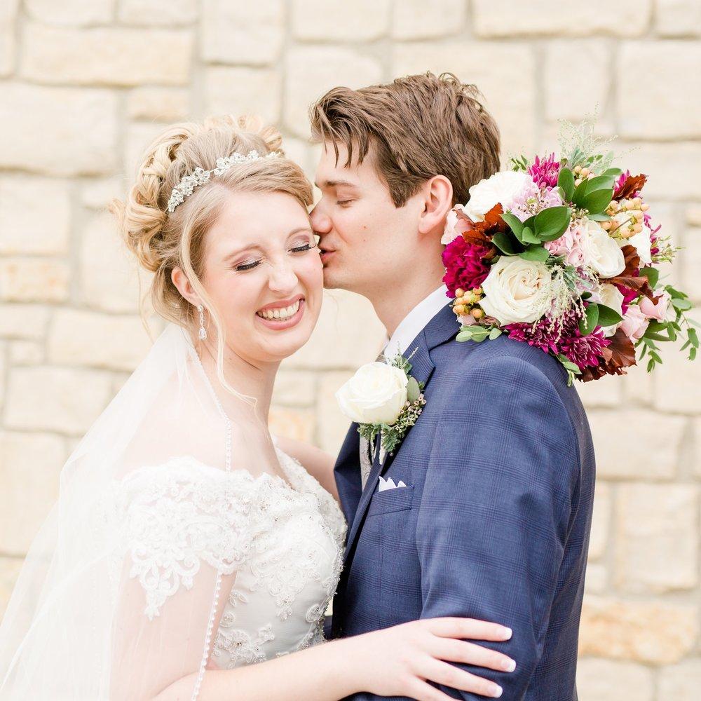 Michelle-Joy-Photography-Yankee-Trace-Wedding.jpg