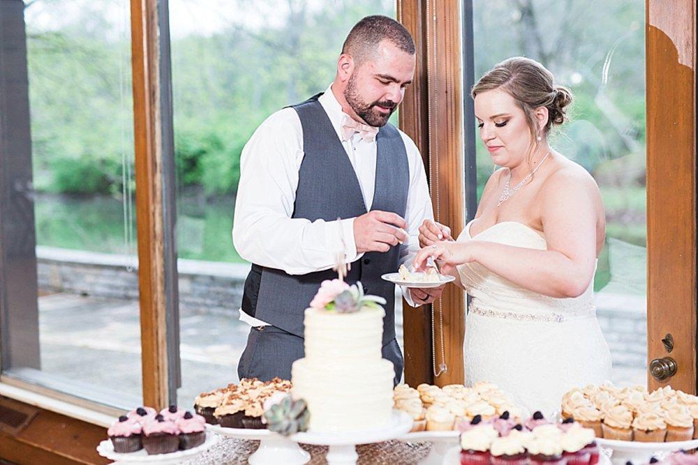 Blush_Spring_Wedding_Darby_House_Columbus51.jpg