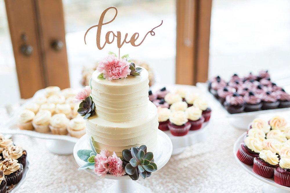 Blush_Spring_Wedding_Darby_House_Columbus44.jpg