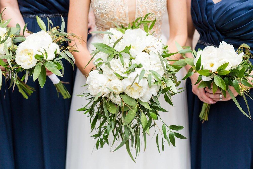 Michelle_Joy_Photography_Ohio_Statehouse_Wedding__14.jpg