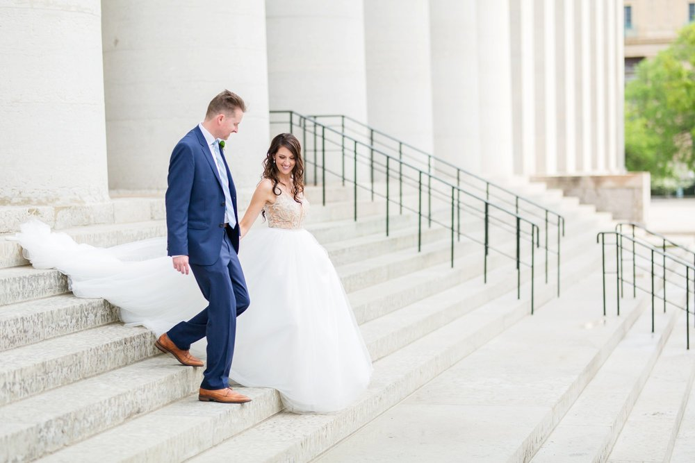 Michelle_Joy_Photography_Ohio_Statehouse_Wedding__20.jpg