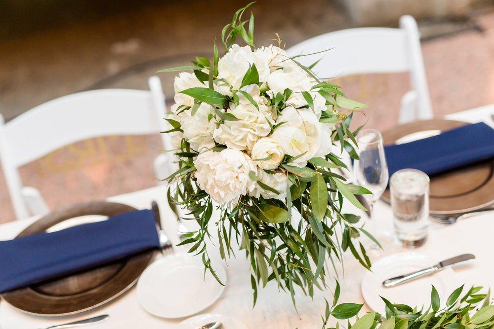 Michelle_Joy_Photography_Ohio_Statehouse_Wedding__40.jpg