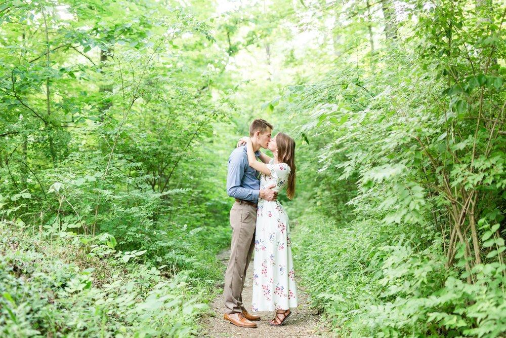 Michelle_Joy_Photography_Cedarville_Ohio_Engagement9.jpg