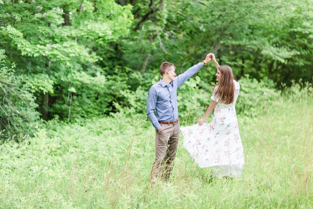 Michelle_Joy_Photography_Cedarville_Ohio_Engagement12.jpg