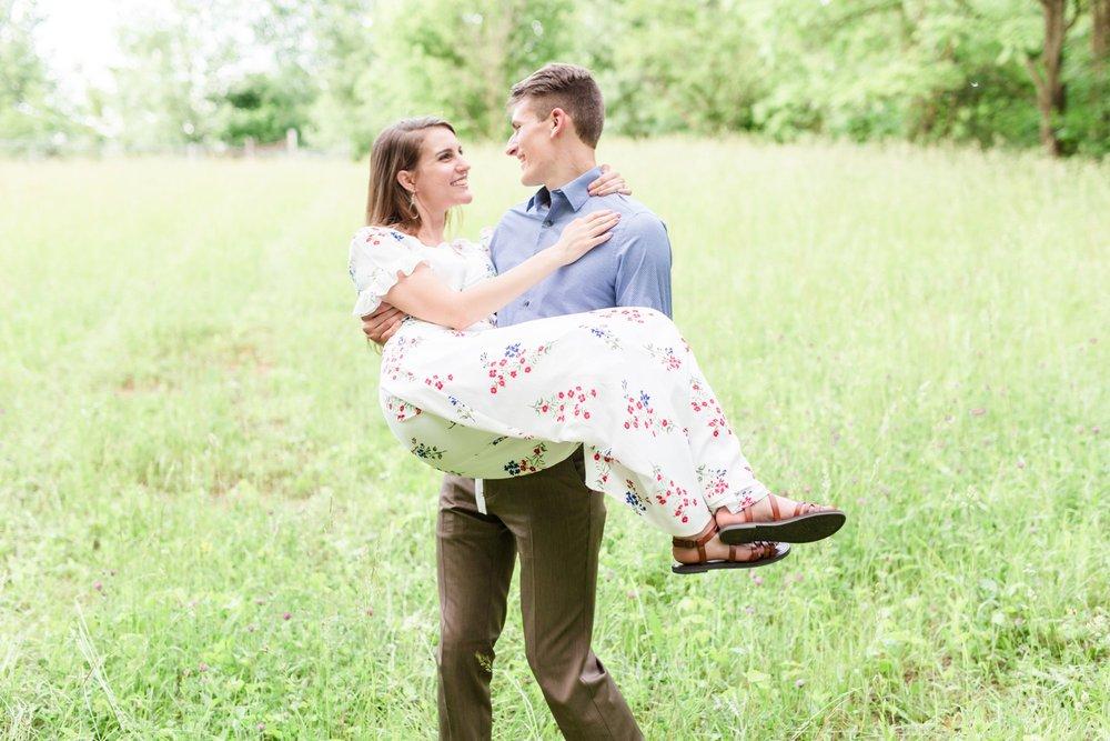 Michelle_Joy_Photography_Cedarville_Ohio_Engagement17.jpg