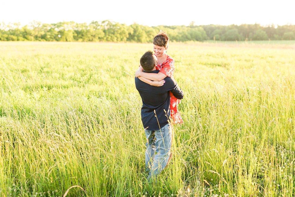 Michelle_Joy_Photography_Scioto_Grove_Engagement_24.jpg