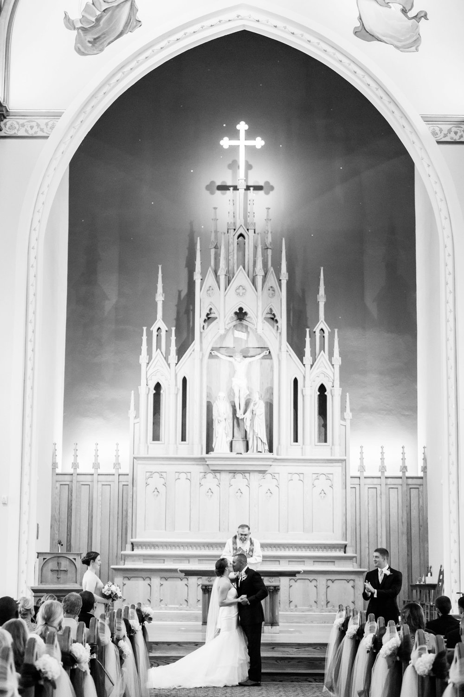 Michelle_Joy_Mint_Navy_Ohio_Wedding_16.jpg