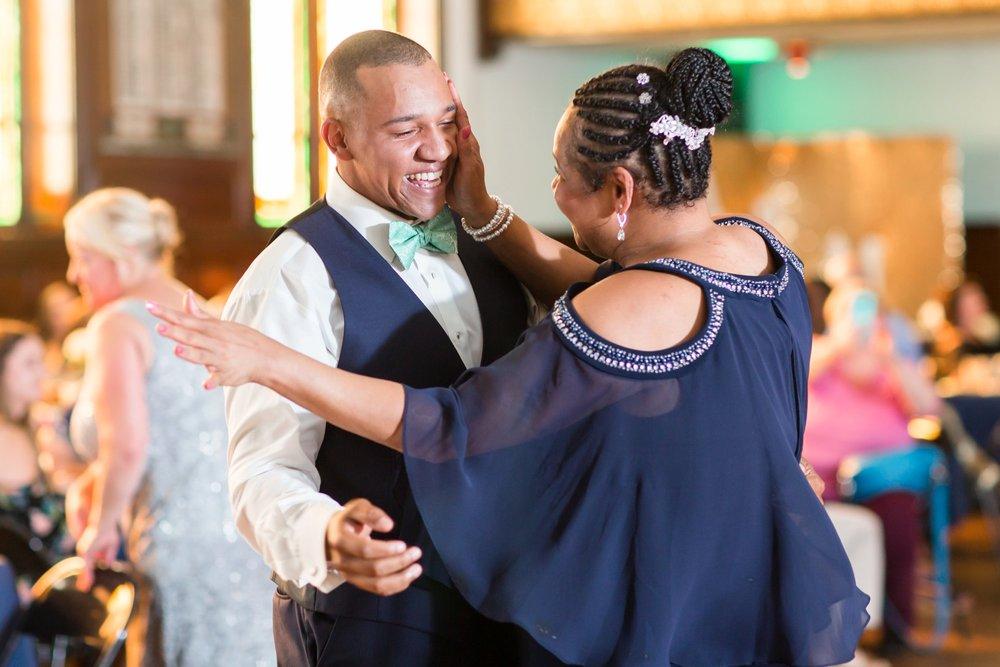 Michelle_Joy_Mint_Navy_Ohio_Wedding_40.jpg