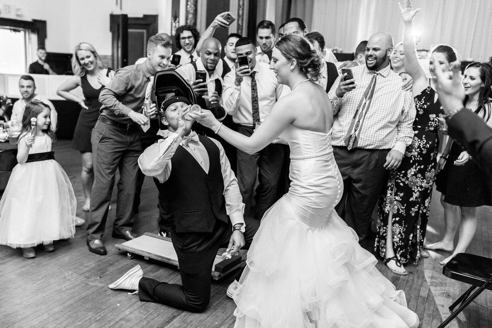 Michelle_Joy_Mint_Navy_Ohio_Wedding_44.jpg