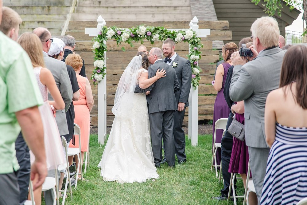 Michelle_Joy_Photography_Waters_Edge_Wedding35.jpg